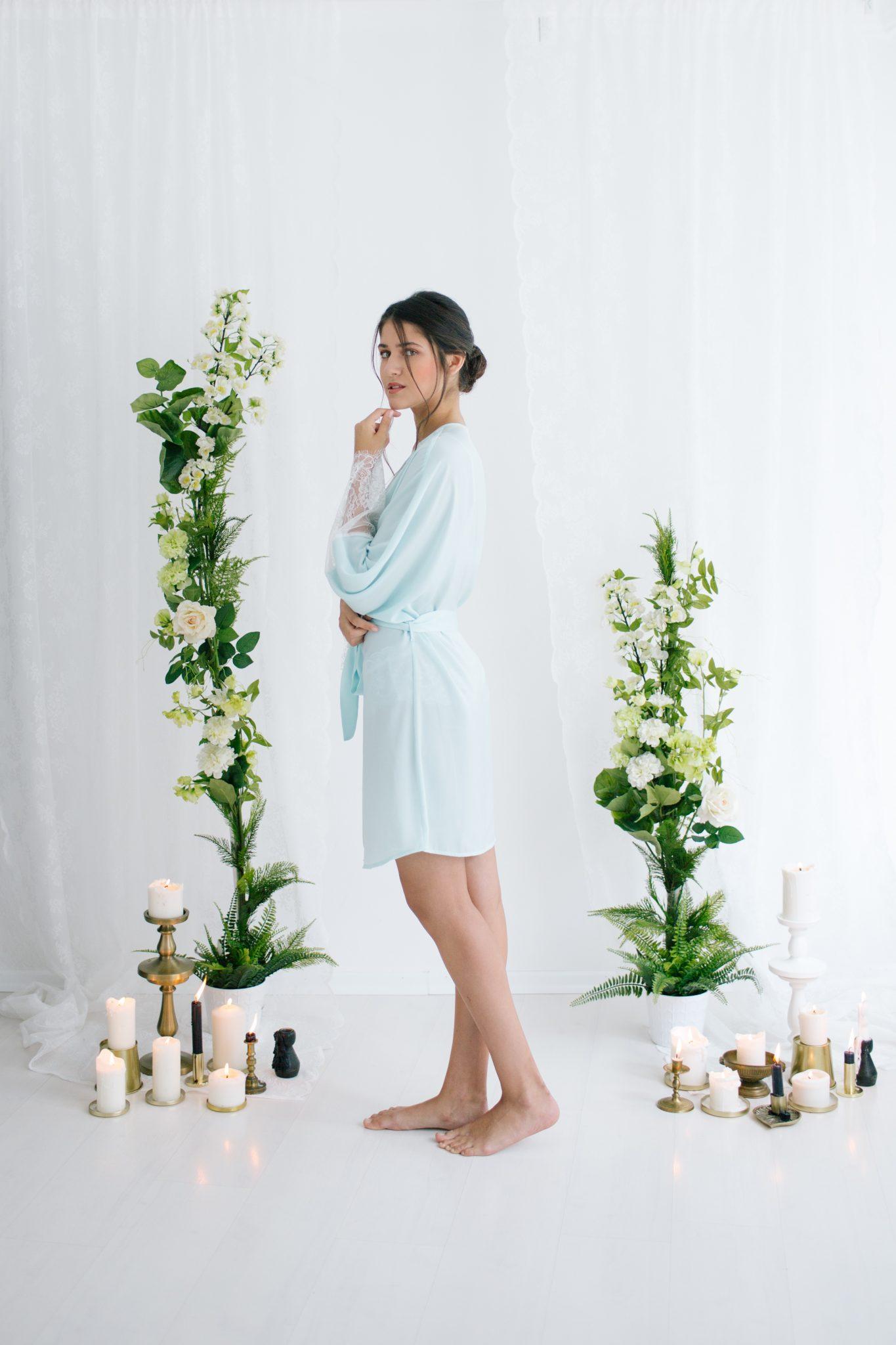 Anne Short Silk Satin Robe Mint