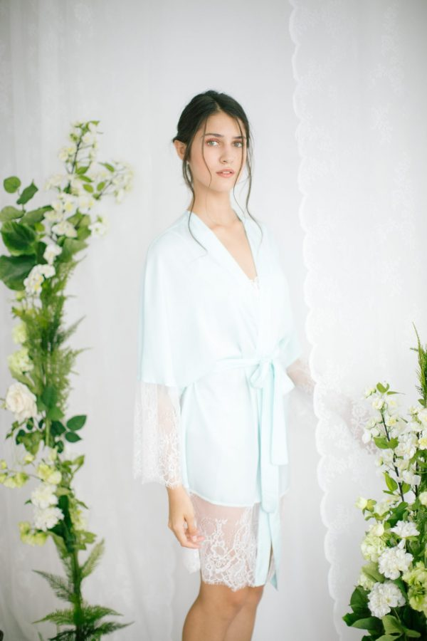 Claire Short Silk Satin Robe Mint