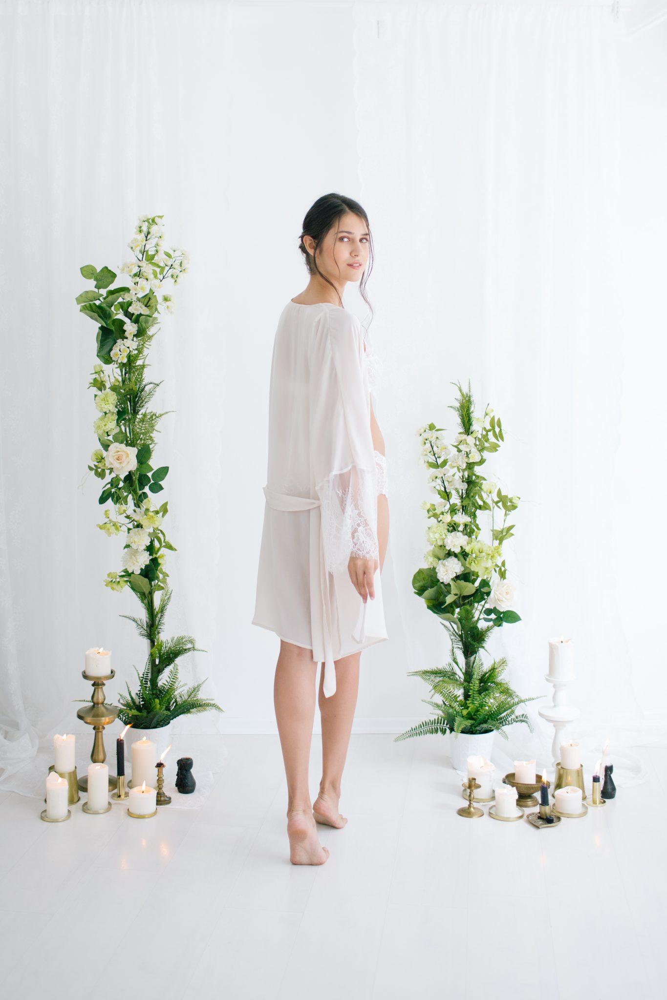 Anne Short Silk Satin Robe Ivory